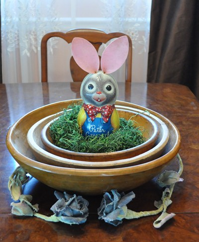 Vintage 1950s Tin Peter Rabbit Musical Toy