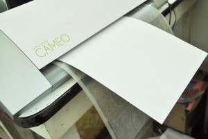 How to cut fragile paper on your Silhouette Cameo : Just Vintage Home