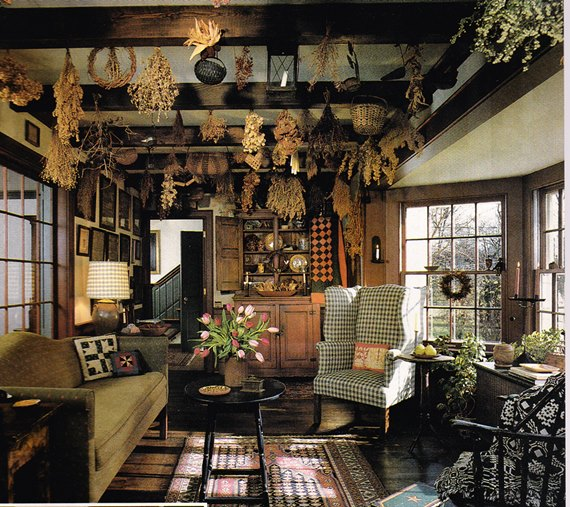 Decorating with primitives - Primitives and fall. A match made in Heaven.