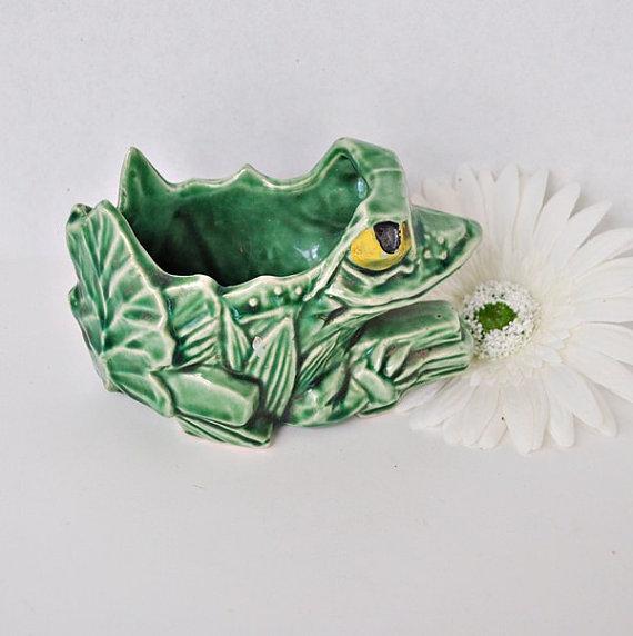 Green McCoy Frog Planter