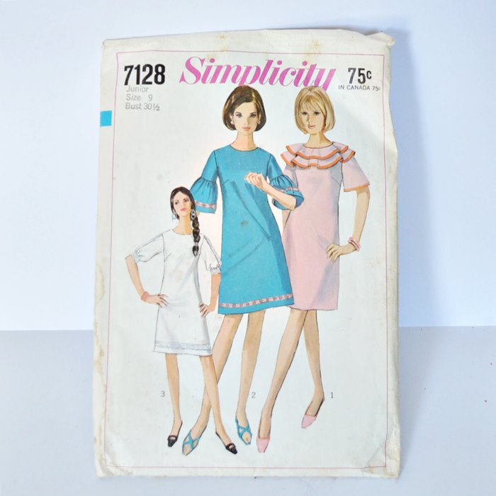 Vintage A Line Bell Sleeve Dress Pattern Simplicity 7128 Size 9 Junior Bust 30-1/2″
