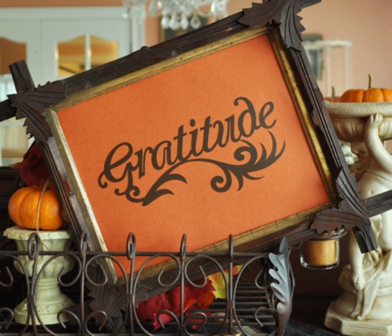 Gratitude - A Thanksgiving Silhouette Cameo Project