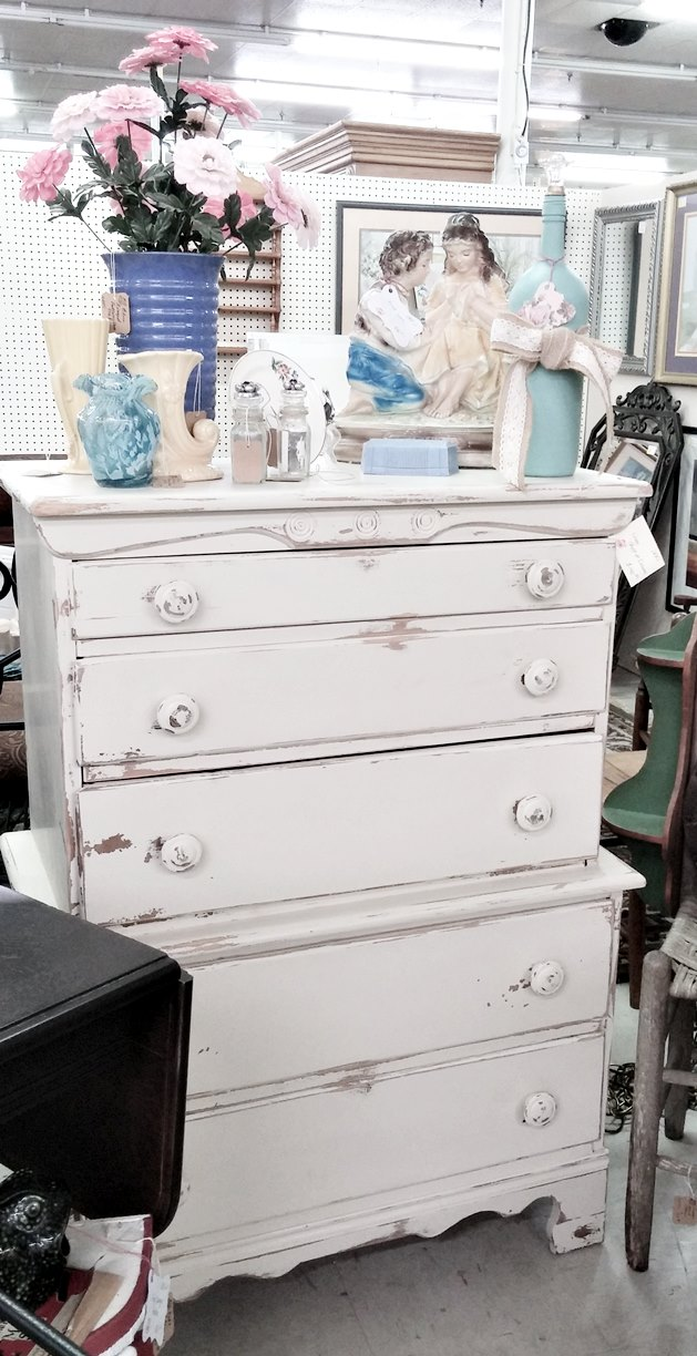 Fall booth arrangement and painted chest of drawers - Angel's Antique Mall in Opelika, AL, Booth D-26