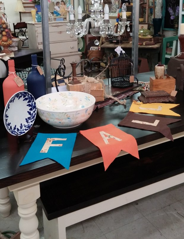 Fall booth arrangement - Angel's Antique Mall in Opelika, AL, Booth D-26