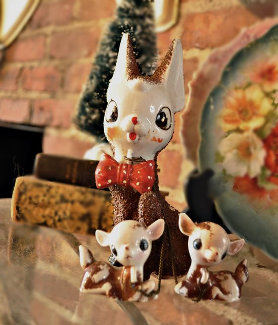 Vintage Christmas Momma Deer and Her Children
