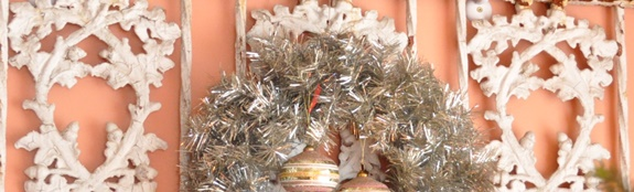 A simple silver tinsel Christmas wreath