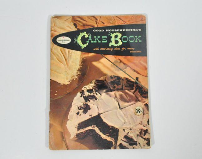 1958 Good Housekeeping Cakes Cookbook