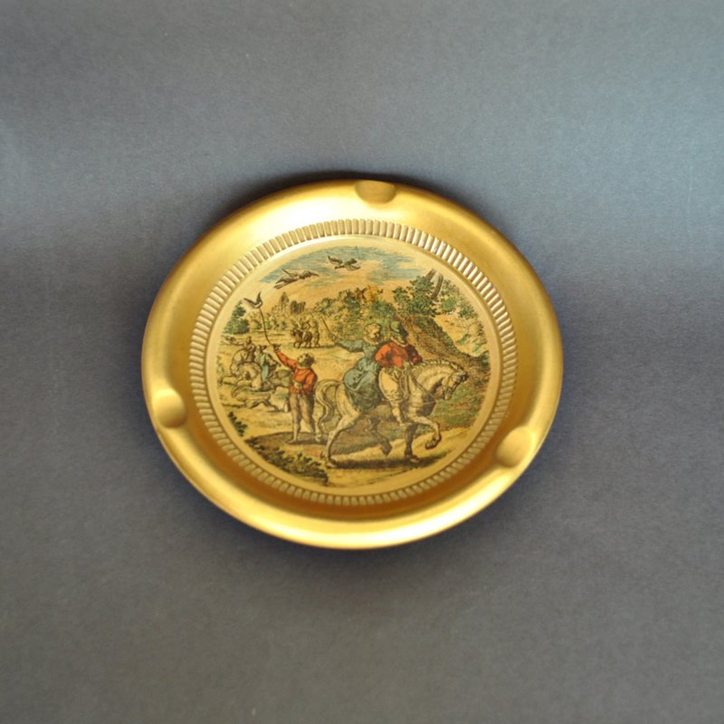 Gold Giotto Ashtray 17th Century Hunt Scene Florentine
