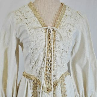 Vintage Gunne Sax maxi dress. Renaissance style in size xs-s.