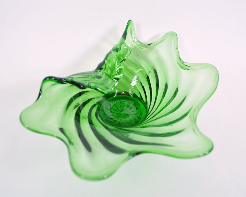 Green swirl candy dish in amoeba shape