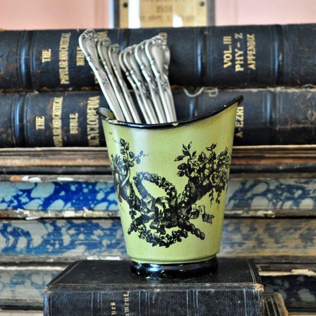 Vintage Italian decor - tin, tole vase in avocado green and black.