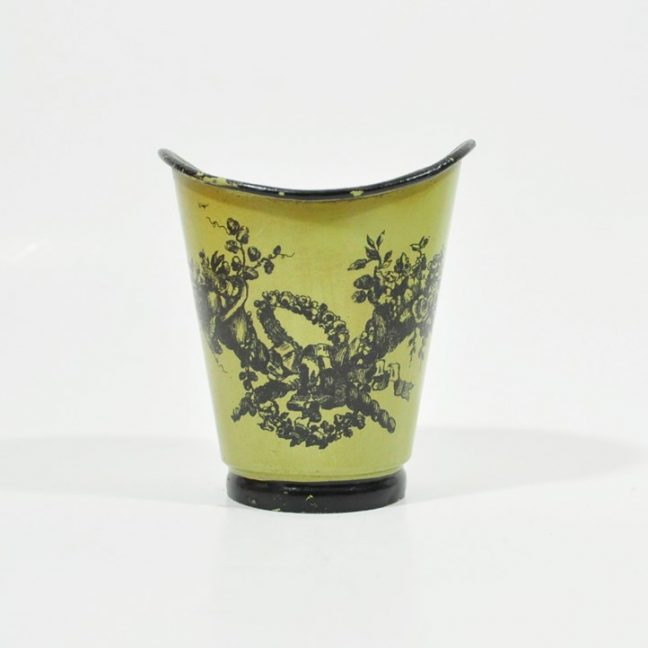 Vintage Italian decor - tole cup - avocado green with black trim and decal