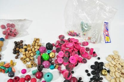 Mixed lot of wood beads