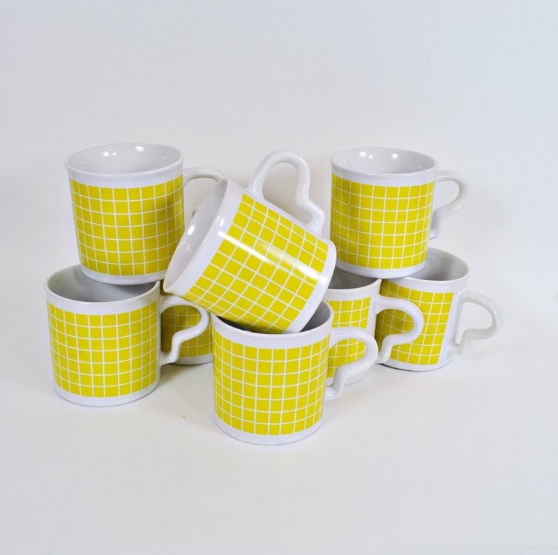 Set of 8 Vintage Sunny Yellow Check Mugs
