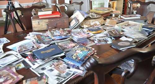 Table loaded with pictures