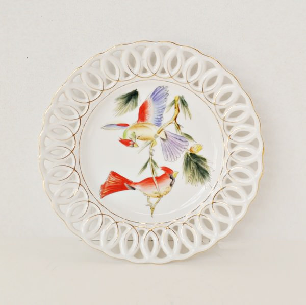 Reticulated plate with exotic birds