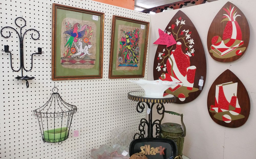 Another picture of the mid-century corner in the booth