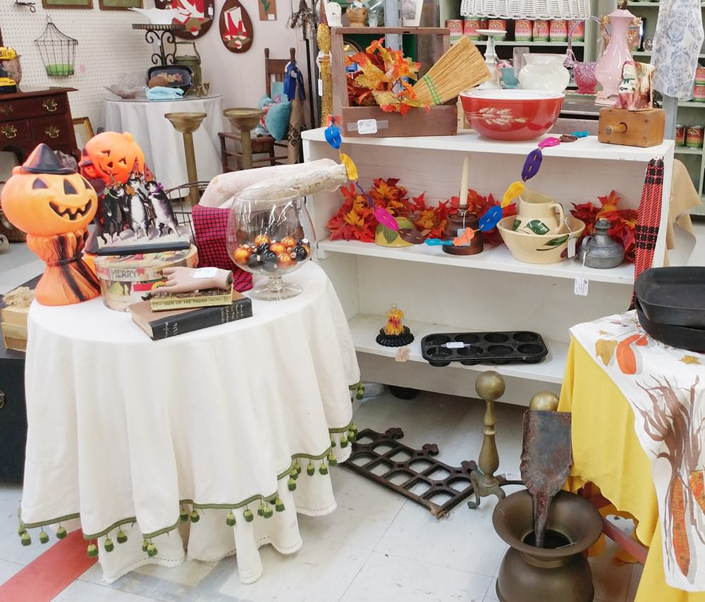 Fall booth arrangements at the front of the booth at Angel's Antique Mall in Opelika, Alabama