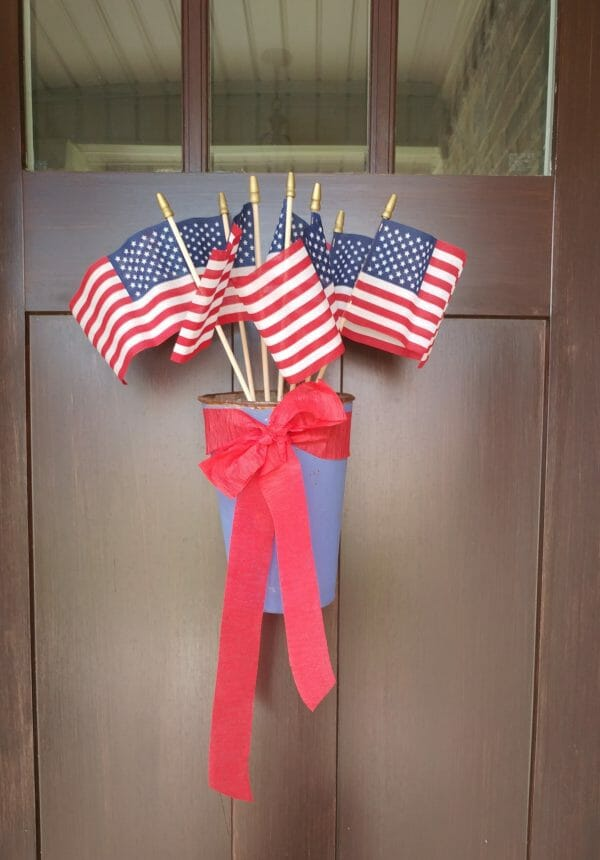 Patriotic decorations for the front porch door