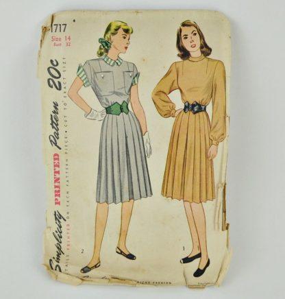 "Vintage 1940s dress pattern, Simplicity 1717, bust size 32"""