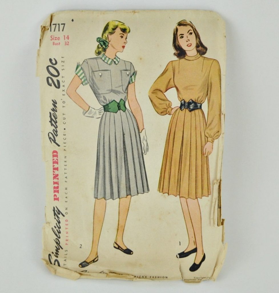 Vintage 1940s Dress Pattern Simplicity 1717 Bust 32