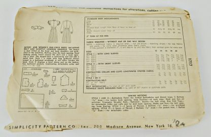 Back of Simplicity pattern number 1717