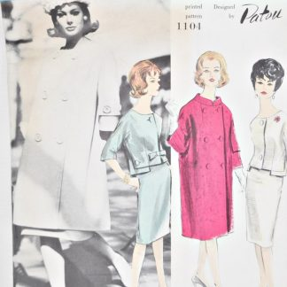 Pattern. Vintage Vogue 1104, a 1960s Paris Original by Patou. Suit with long kimono sleeved coat.