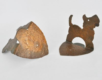 Bottom of hammered copper Scottie dog bookends