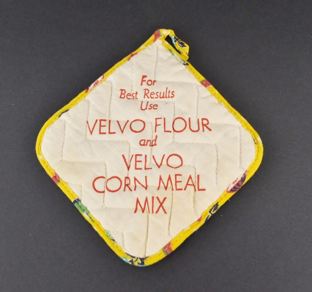 Vintage Velvo Flour advertising potholder